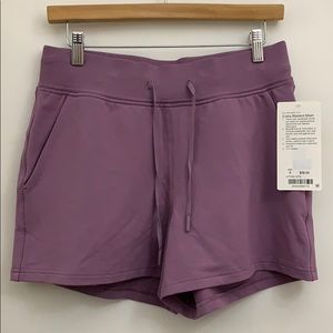 Lululemon Every Moment Short NWT Sz 8 or 10 VNTQ